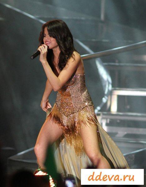 Селена Гомес - крутая сексапильная знаменитость