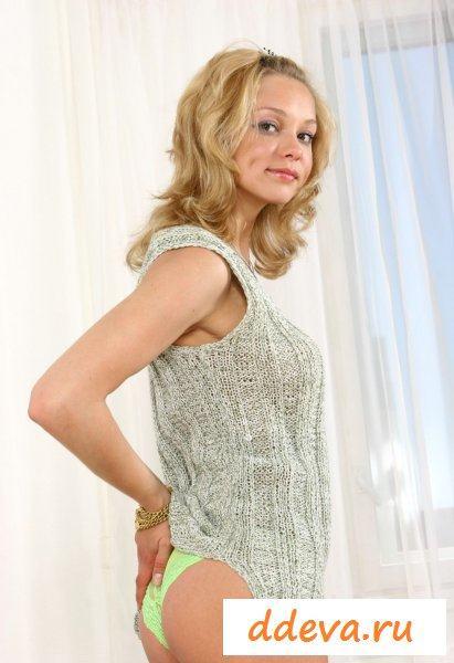 Одела на восемнадцать лет прозрачные трусы