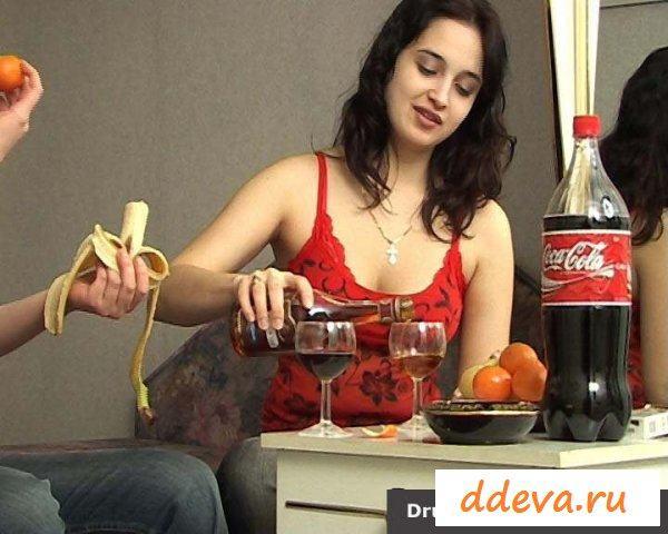 Русская и армянка - пьяные лесбиянки