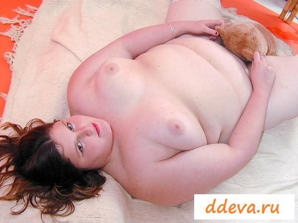 Девчонка - толстый сисястый пупсик