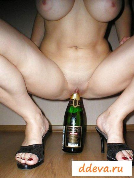 Вульгарщина в виде торчащих бутылок из пёзд