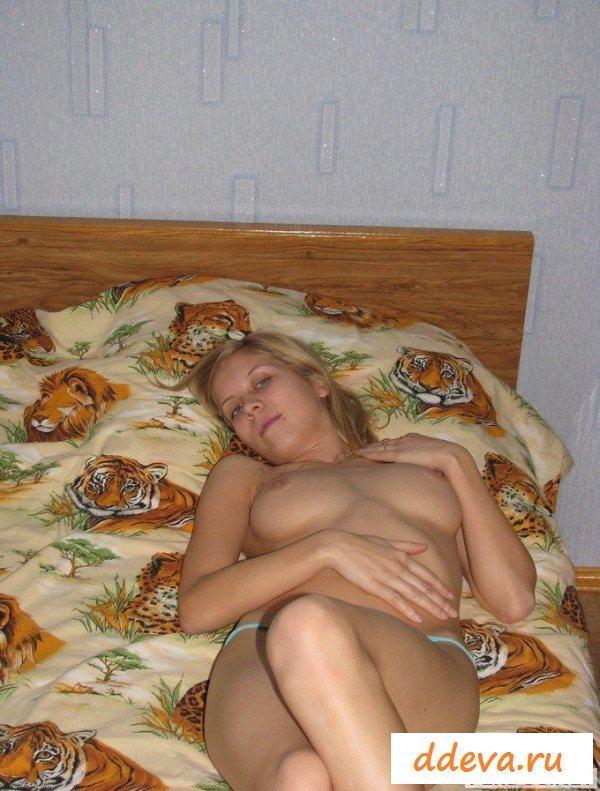 Сладкие прелести голой русской красотки