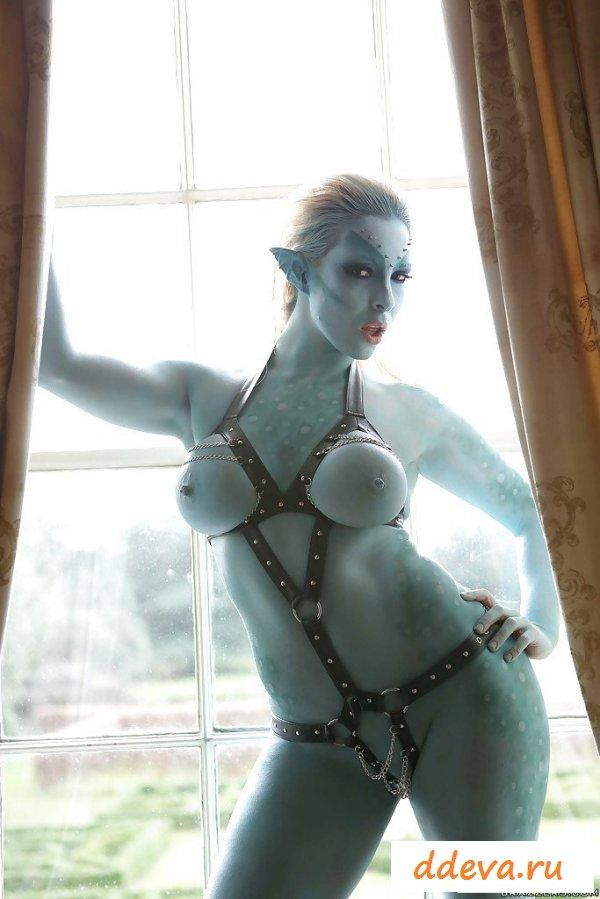 Косплеевская эротика с грудастой телочкой