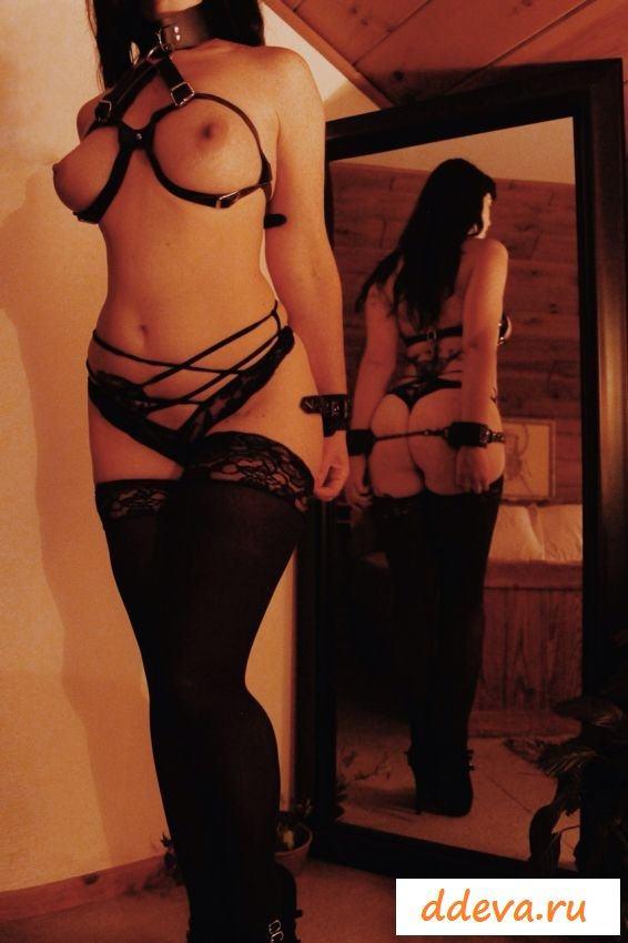 Фотографии голеньких девушек в кандалах